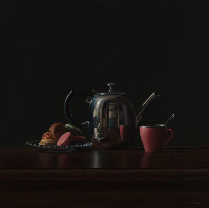Heidi von Faber, 'Thee met macarons', acrylverf op linnen, 80 x 80 cm