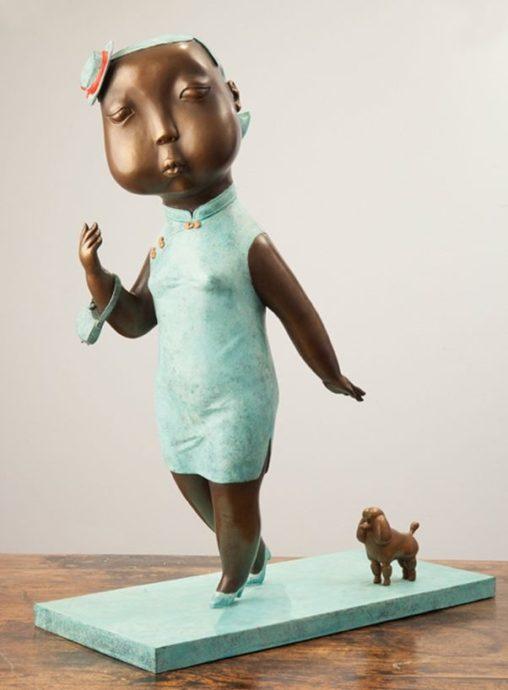 Wu Jia Hui, 'Shanghai Chique', brons, 70 x 58 x 23 cm