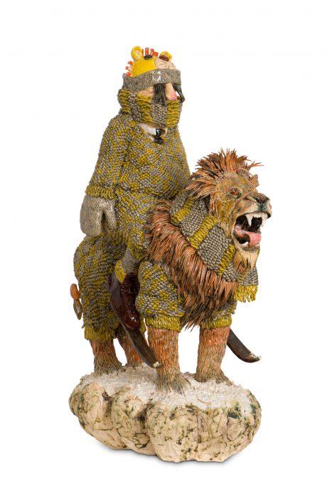 Leon Strous. Lion-suit. Keramische sculptuur, 44 cm