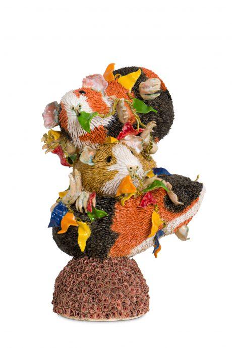 Leon Strous. Party. Keramische sculptuur, 45 cm